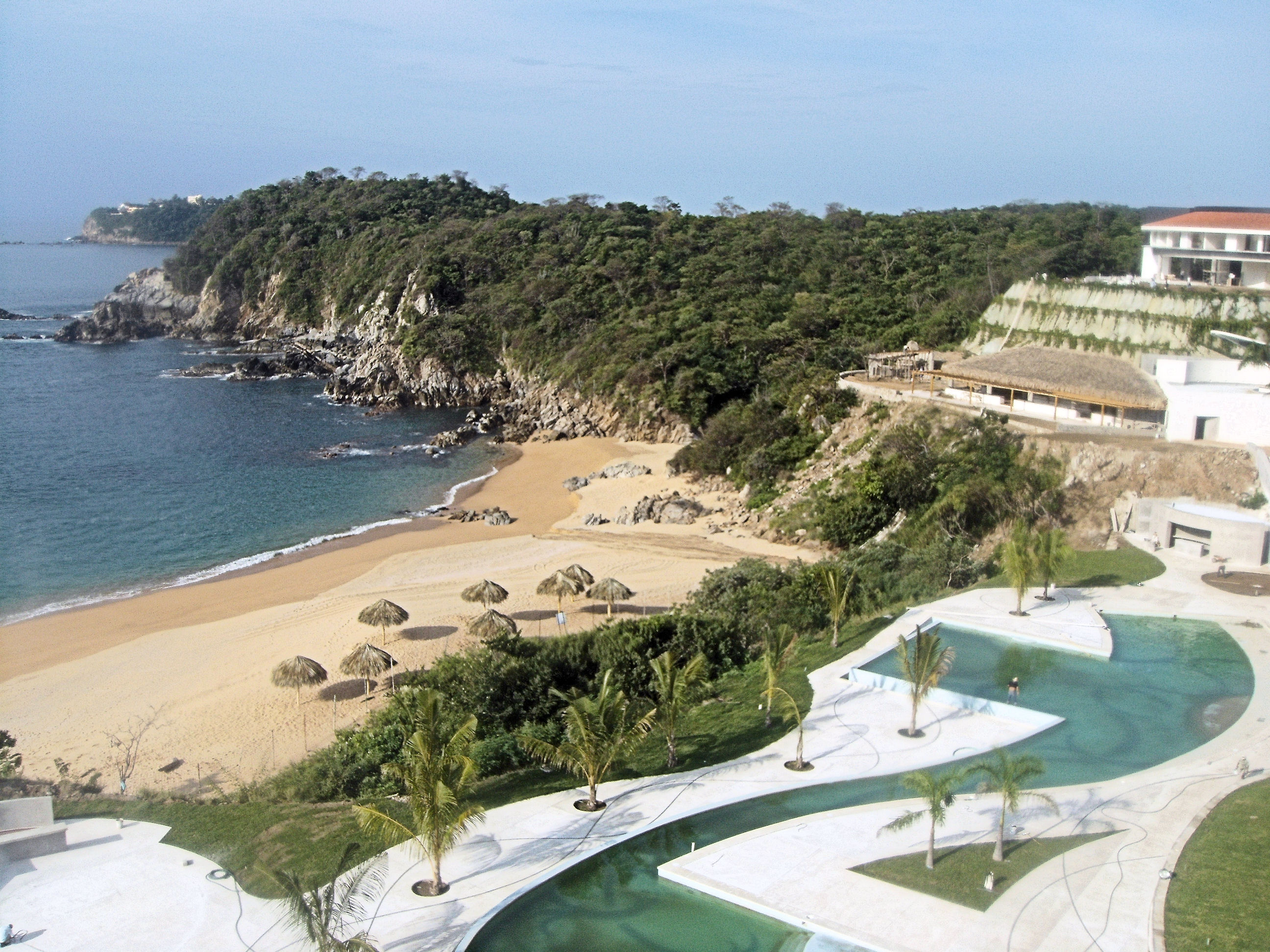 Sneak preview secrets huatulco tan lines the official for Hotels secrets