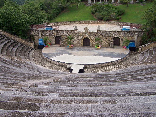 Altos_de_Chavon_Amphitheater