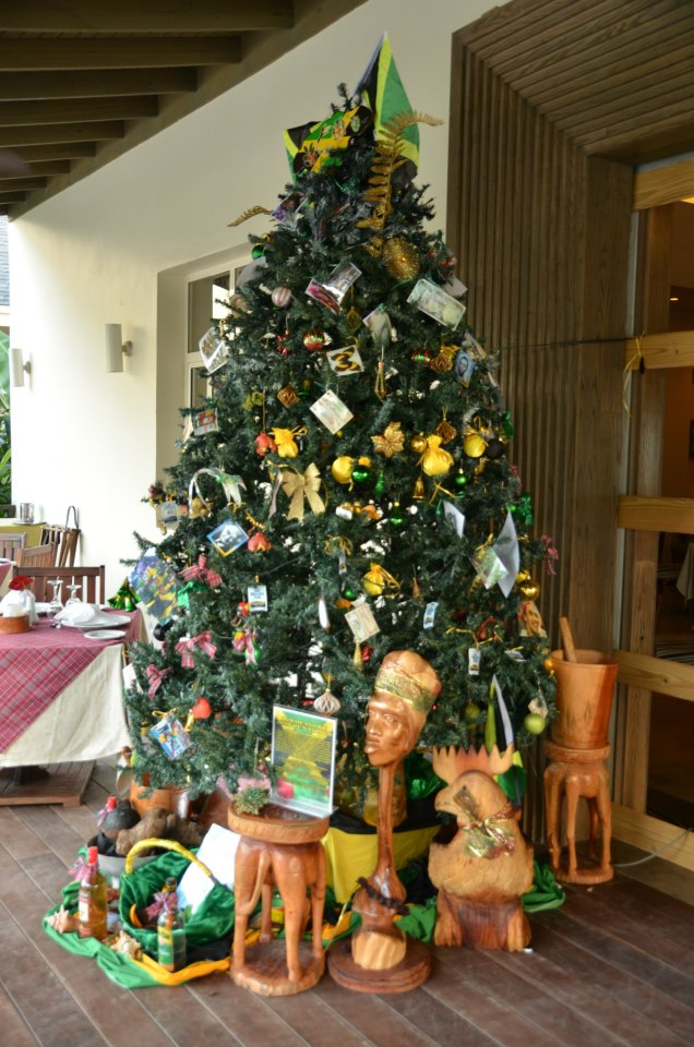 Our first place winner from last year's  Secrets Wild Orchid Montego Bay Christmas Tree Contest! Loving the Jamaican-inspired Caribbean twist.