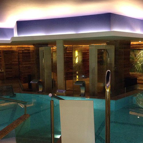 Hydrotherapy circuit at Secrets Spa by Pevonia