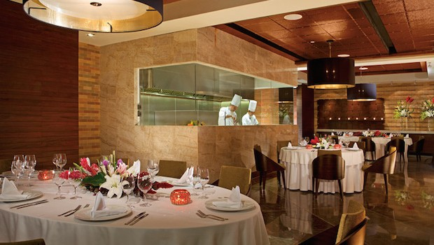 Bluewater Grill at Secrets The Vine Cancun. Photo credit: Mark Chestnut