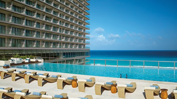 The preferred club pool at Secrets The Vine Cancun. Photo credit: Mark Chestnut