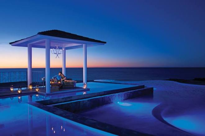 Paradise awaits you at Secrets Puerto Los Cabos Golf & Spa Resort! Take advantage of our fabulous Black Friday deal now!