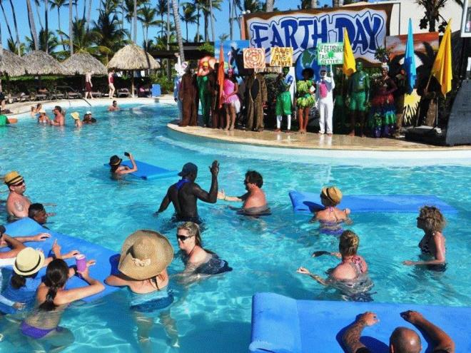 Secrets Royal Beach_Earth day 2015 (9)