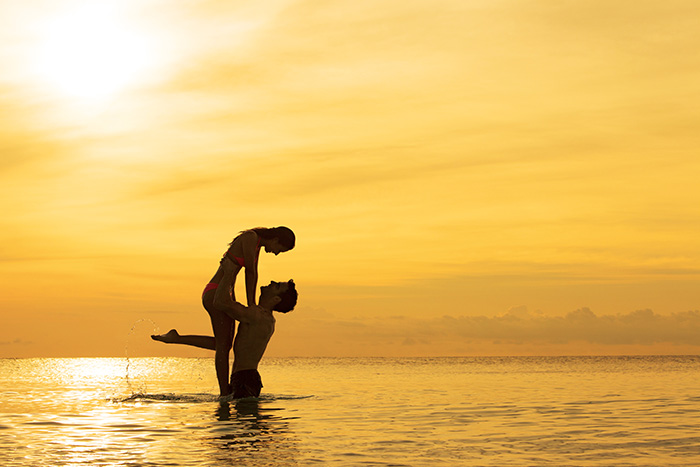 SEARM_EXT_Couple_Sea_Sunset1_2A