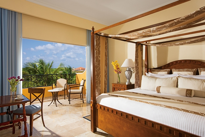 Honeymoon Suite Tropical View